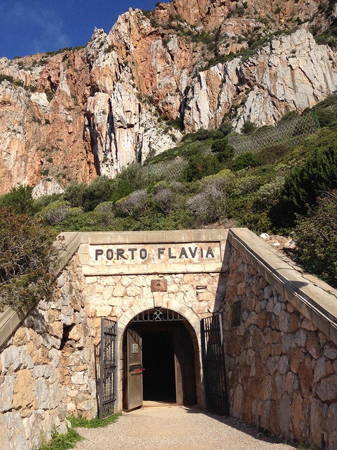 Porto Flavia miniere in sardegna visitabili villaggi minerari sardegna escursione Lino Cianciotto